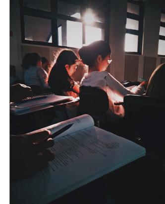 Schüler im Klassenzimmer der Berlin Metropolitan School